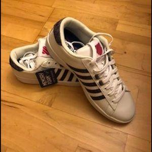 Women's sneakers size 9